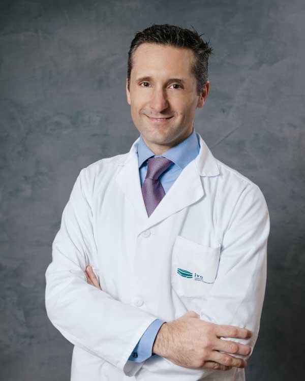 Dr. Lucas Minig Ramos, Jefe de Servicio de Ginecología